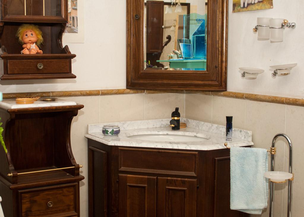 Etrusco ceramiche prodotti in ceramica vendita camini e stufe arredo bagno - Lavabo angolare bagno ...