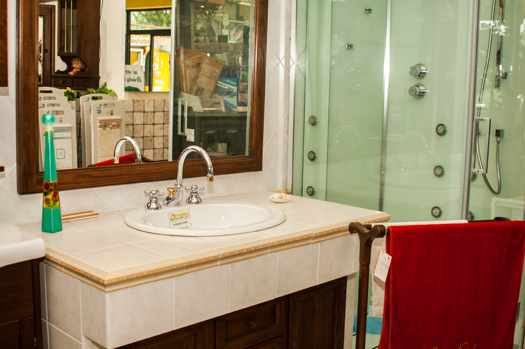 Etrusco ceramiche prodotti in ceramica vendita camini e stufe arredo bagno - Lavabo bagno muratura ...